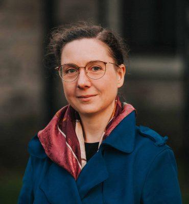 Jennifer Debrecen - Adjointe en communication